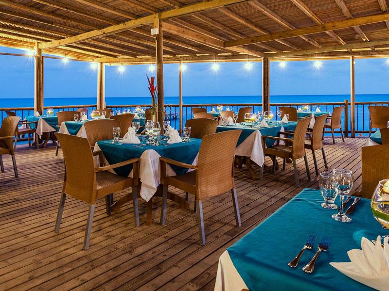 Hotel Isla del Encanto 2